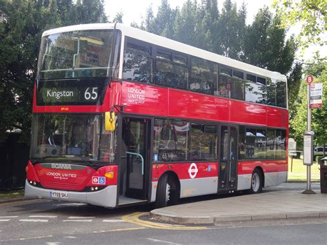 File:London United SP102 on Route 65, Ealing Broadway