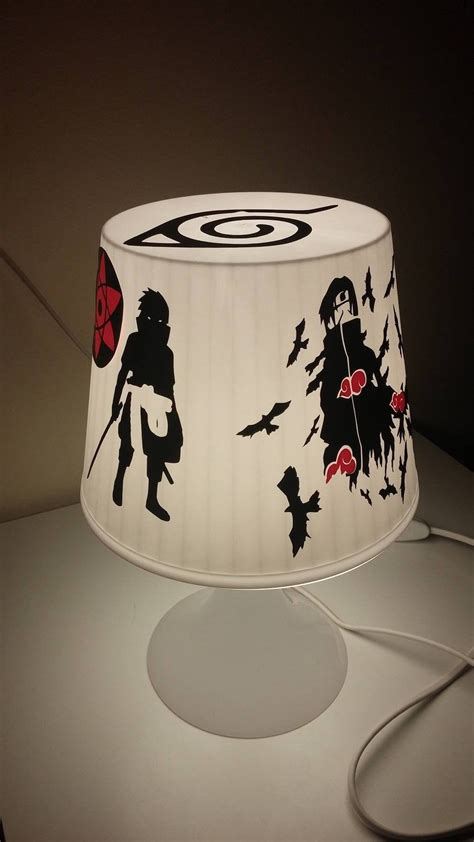 Hand-decorated table lamp - Naruto