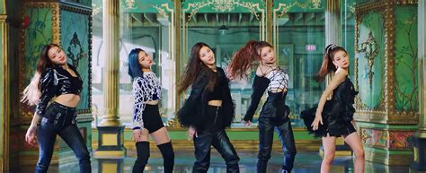 """ITZY's """"Wannabe"""" Enters Global YouTube Music Videos Chart"""