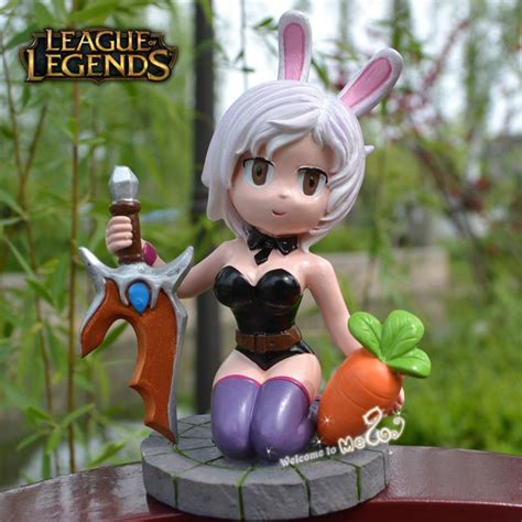 The Exile Battle Bunny Riven Figures LOL Champions Action