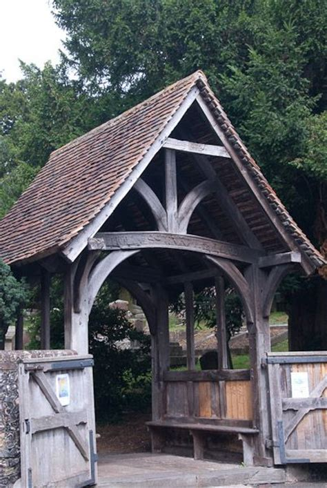 Lych Gate definition, Illustrated Dictionary of British
